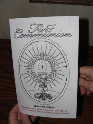 Catholic First Communion Catechism Ebooklet with pages to color.