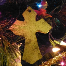 Wooden Cross Christmas Ornament Idea